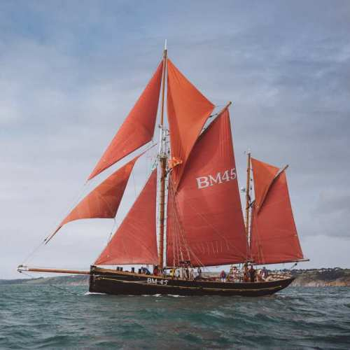 thumbnail_┬®-PTCreative-2018-H-OatesVenture-Sail-Dartmouth_5D_1849-V2_LR_CR